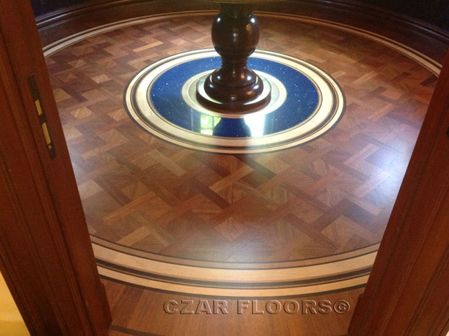 447: Custom parquet and border, combination with stone
