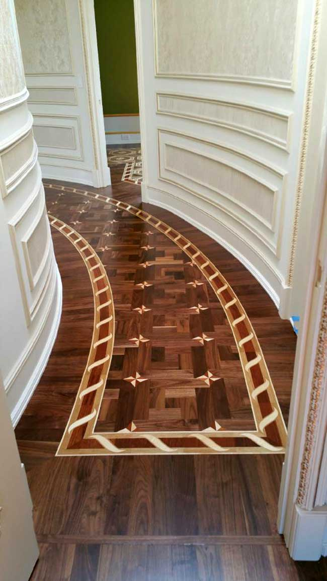 491: B2 border curved, set in Walnut parquet