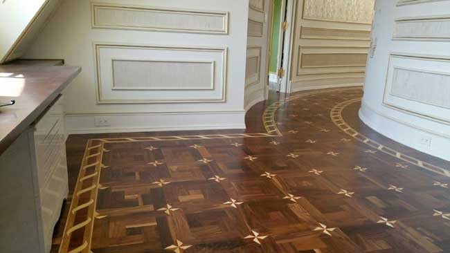 488: Custom walnut parquet with curved borders