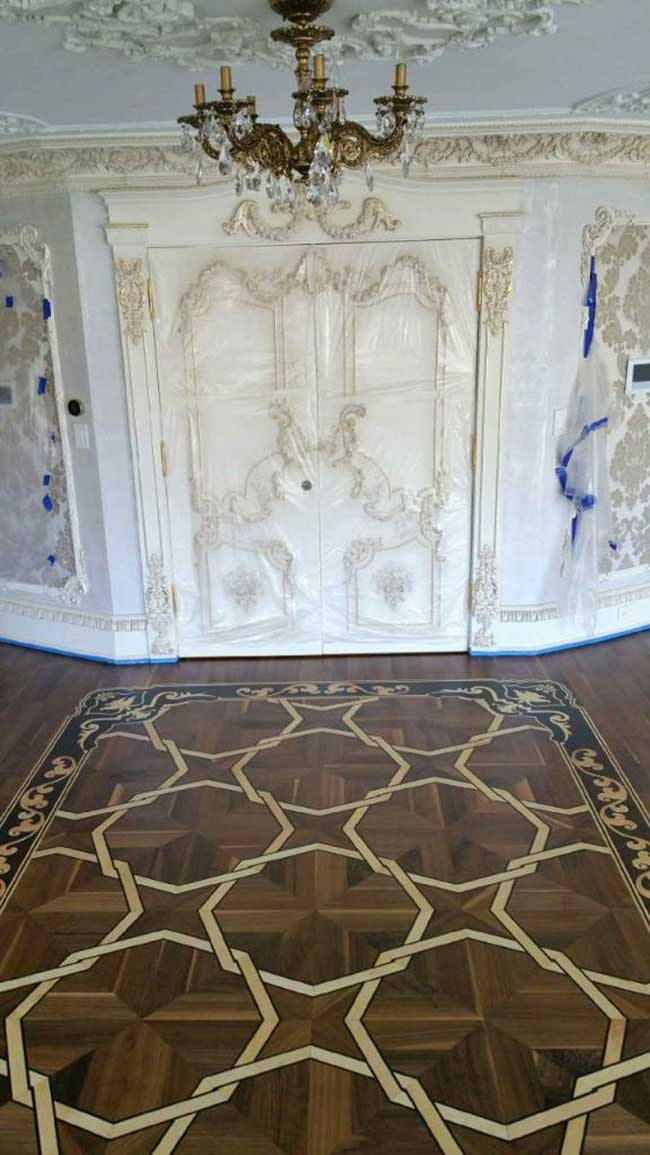 489: Custom Walnut parquet with borders