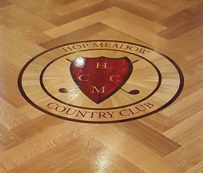 500: Country Club Logo Wood Medallion