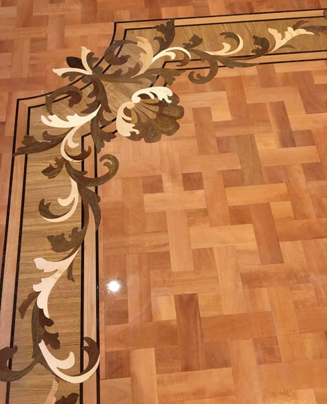 542: Wood floor border corner with pear basket weave parquet
