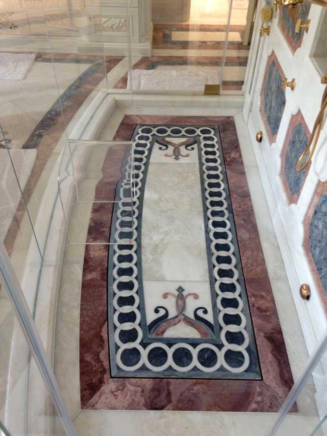 524: Shower marble floor design