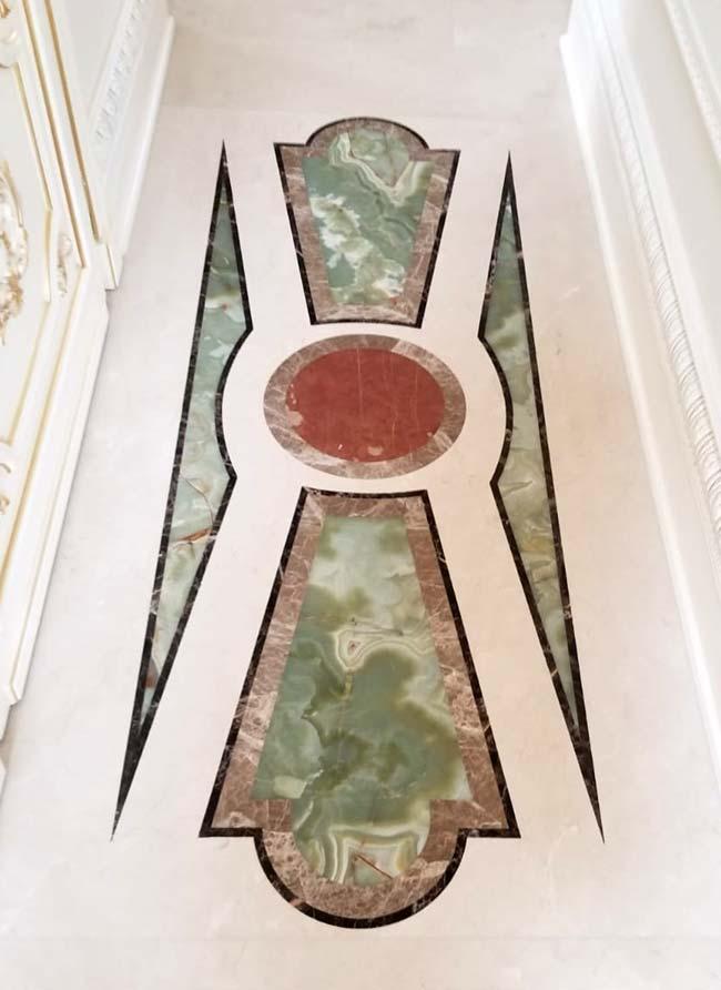 594: Marble design for narrow hallway