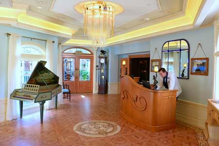 Disneylan Club 33 wood floors