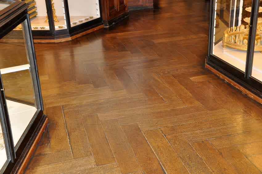 Herringbone parquet flooring example