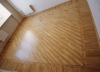 ID:37; Combining patterns and border(B1) plank floor really shines