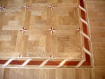 ID:105; B2 border with M18 parquet