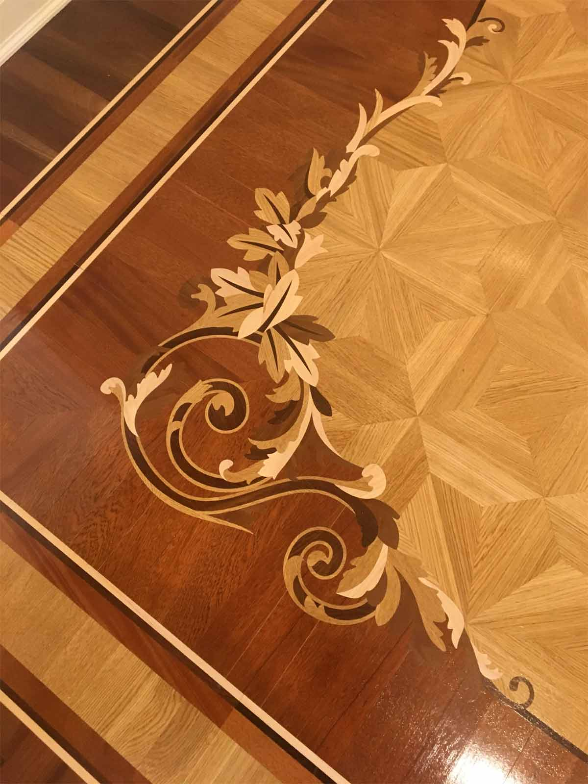 573: Inlay border corner with M2 parquet.